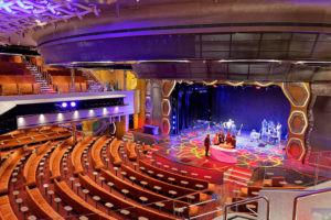Трансатлантический круиз, театр